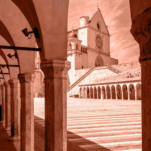 http://www.ogniangoloognipietra.it/wp-content/uploads/2021/08/San-Francesco.jpg